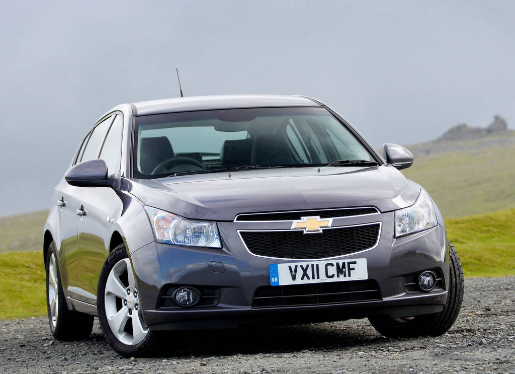 chevrolet cruze hatchback car wallpapers 2012. Black Bedroom Furniture Sets. Home Design Ideas