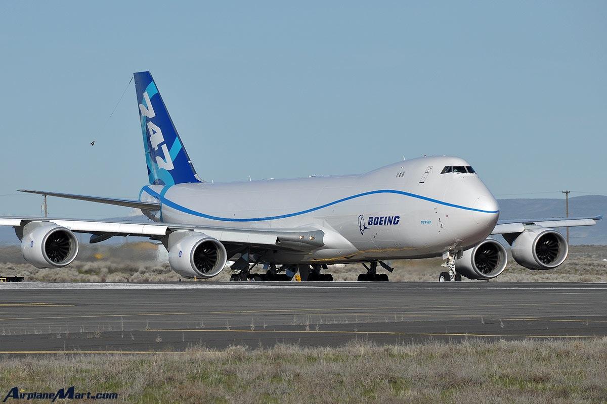 http://1.bp.blogspot.com/-5NoInNxXp00/TuYe70Ar0_I/AAAAAAAAHD8/NUoPN9uE9VU/s1600/boeing_787-8_cargo.jpg