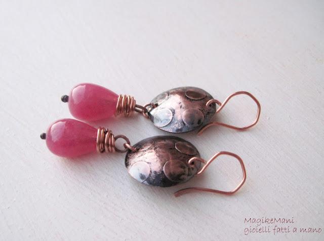orecchini in rame inciso con elettrolisi e agata rosa
