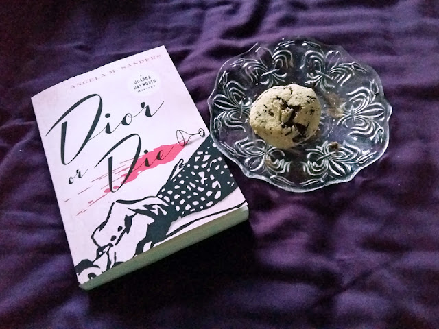 Dior or DIe by Angela M Sanders and gluten free scones | www.stinap.com