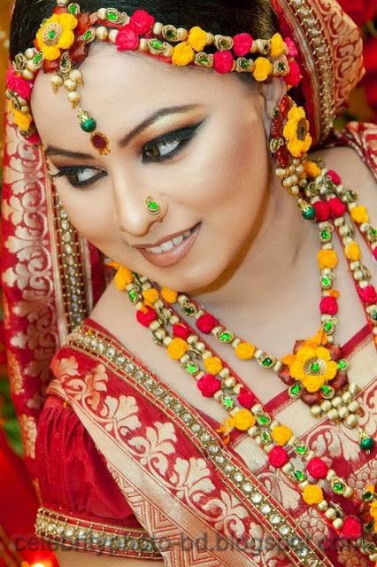Latest+Photo+Tips+For+Looking+Hot+And+Beautiful+In+Gaye+Holud+Festival001