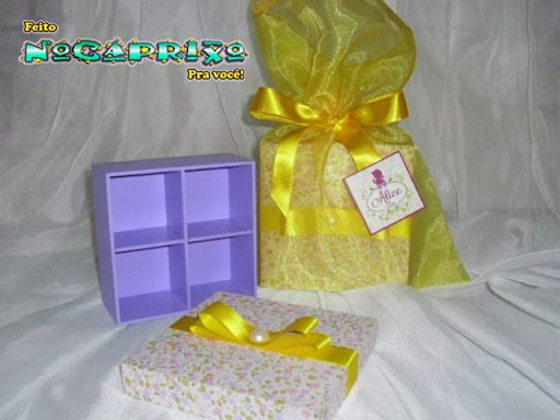 Porta-Jóia em mdf  com divisórias embalado em saquinhos de organza - Tema Camponesa