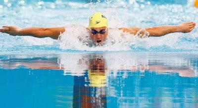 4 فوائد مذهلة للسباحة,رجل سباح يسبح السباحة حوض بسين اوليمبى اوليمبيات ,man swimming swim siwmer pool Olympics