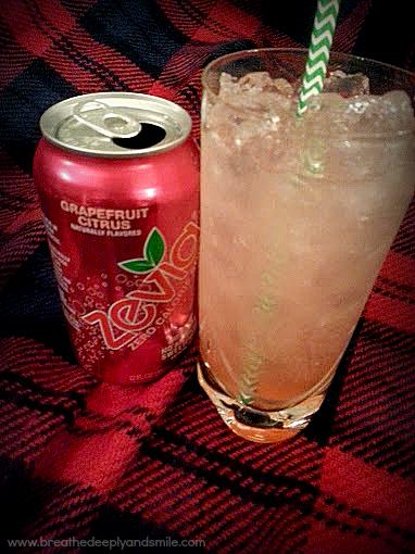 christmas-sunrise-grapefruit-citrus-zevia-holiday-cocktail