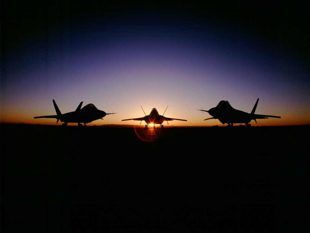 http://1.bp.blogspot.com/-5PIpMWVyLpM/TisWtDAzSUI/AAAAAAAAA08/5v0HXSU-8_k/s1600/Raptor-Fighter-Planes-Sunset-USA-Air-Force-1-038RILX6VZ-1024x768.jpg