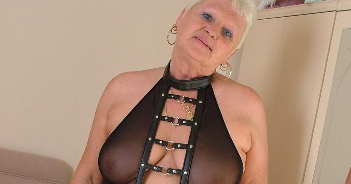 bb suihkussa mature women