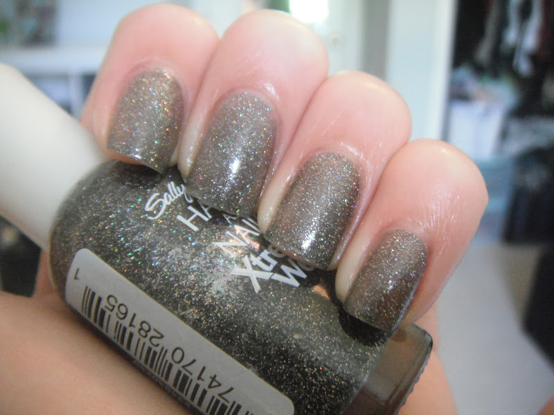 Blattitude Nails: Sally Hansen Xtreme Wear Strobe Light over Night ...