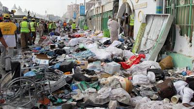 Cuerpos de peregrinos musulmanes fallecidos tras una estampida en Mina, a las afueras de la ciudad de La Meca, 24 de septiembre de 2015.