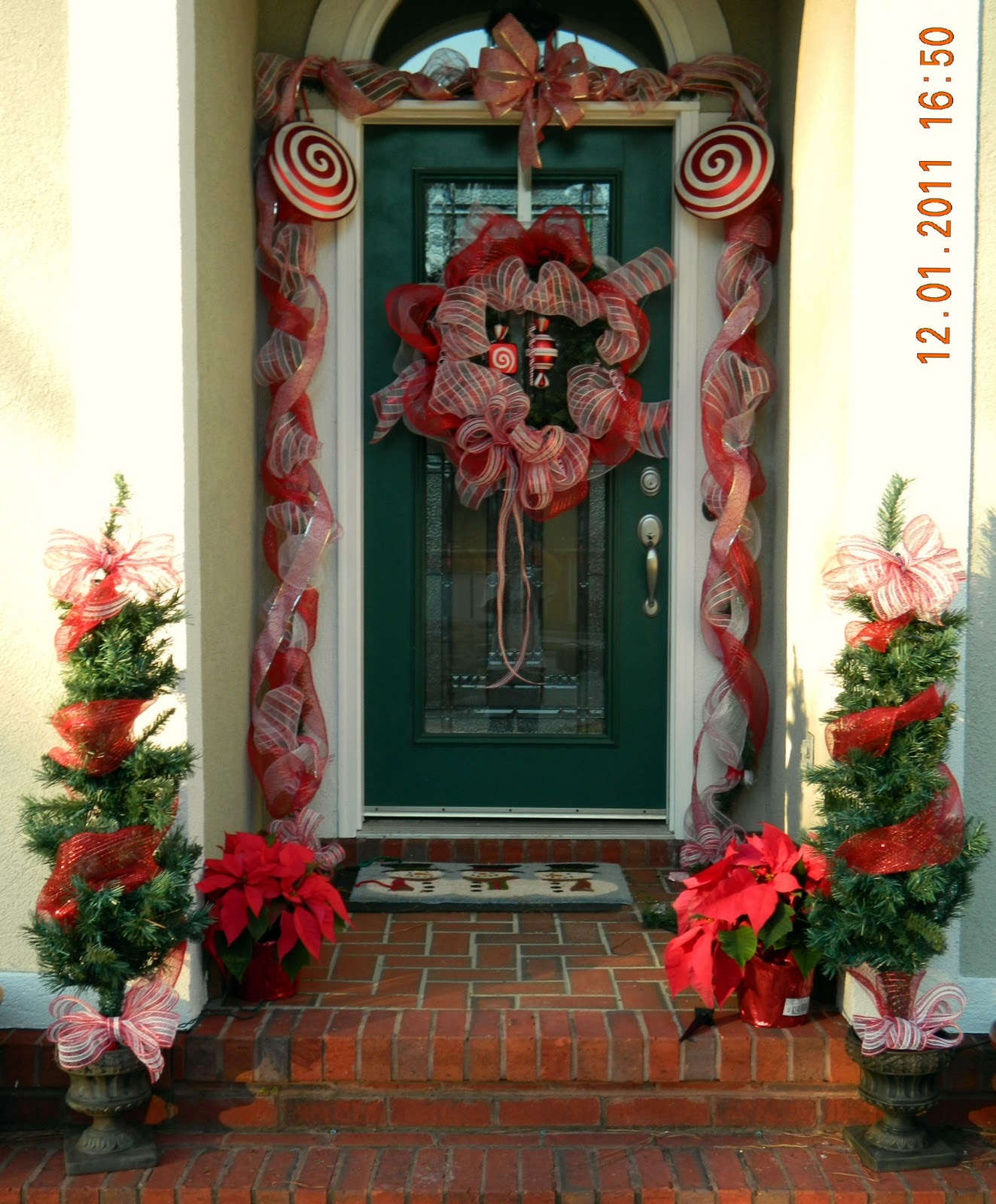 A real crazy life for Door xmas decoration ideas