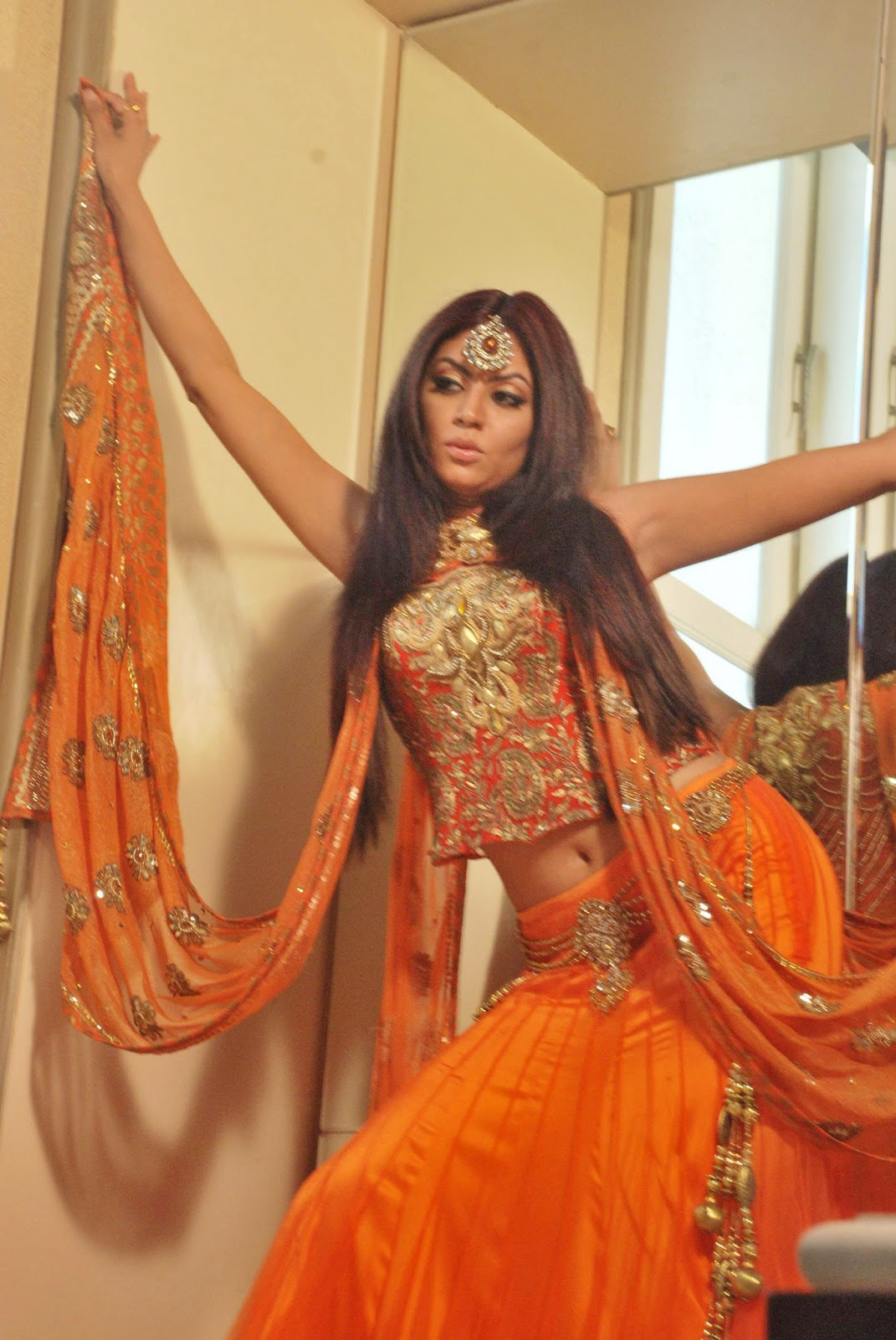 Model Natash... Natasha Suri Wiki