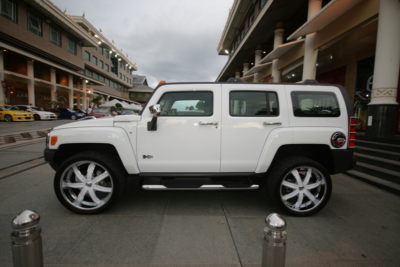 Hummers Online White 2007 Hummer H3 In Brunei On The