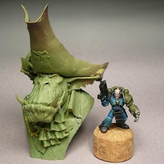 un buste Orc chez Leben Studio LEBENMODELS_BUSTE_CAPITAINE+ORC_COMPAR01bdef