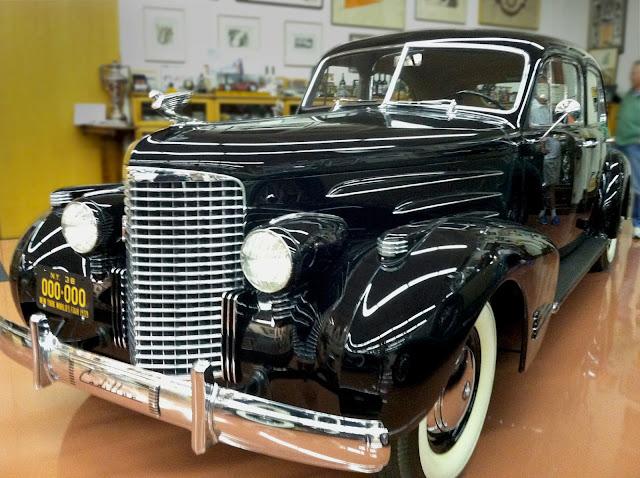 Cadv on 1940 Cadillac V16 Engine