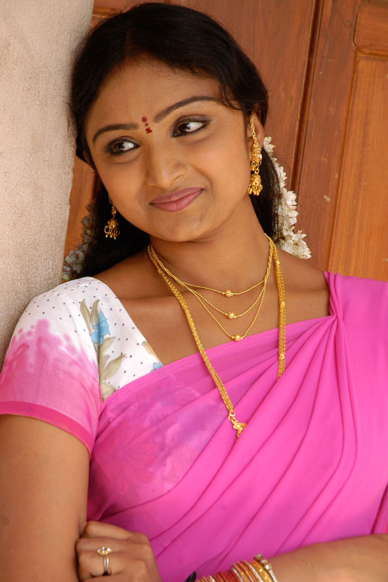 Wahida Hot Kouslaya Aunty Movie Picture