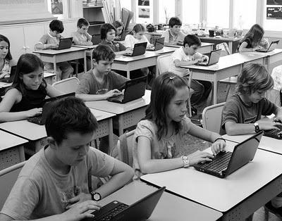http://wwwhatsnew.com/2014/01/30/l50-mejores-herramientas-online-profesores-2014/