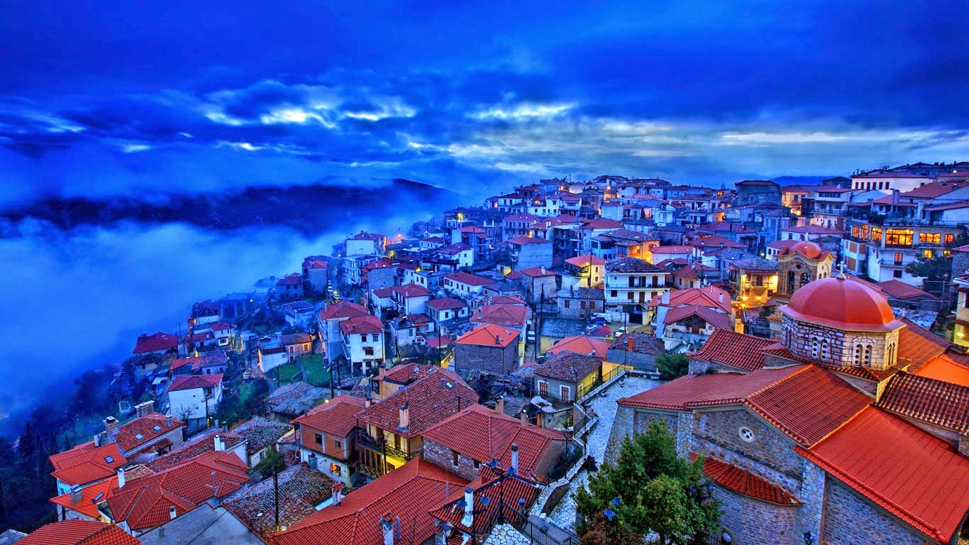 Arachova, Greece (© Hercules Milas/Alamy) 7