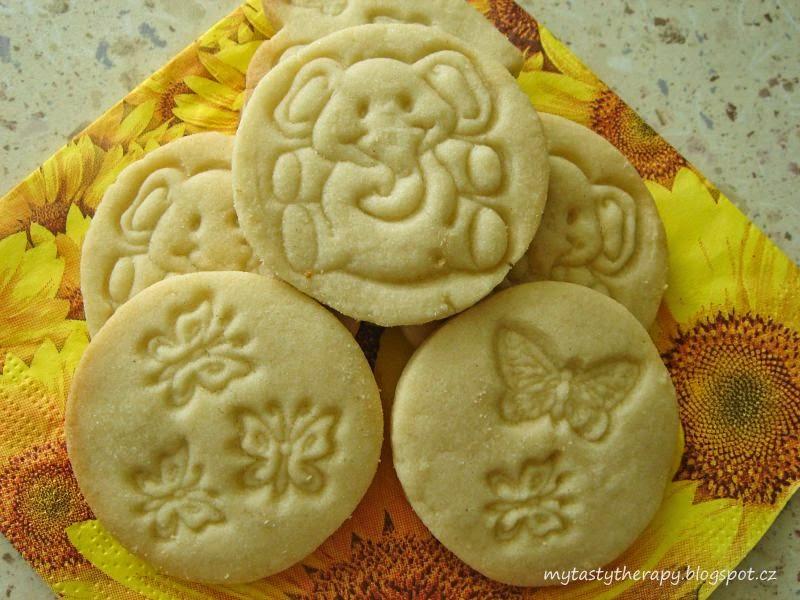 kulaté máslové sušenky s obtisky zvířátek