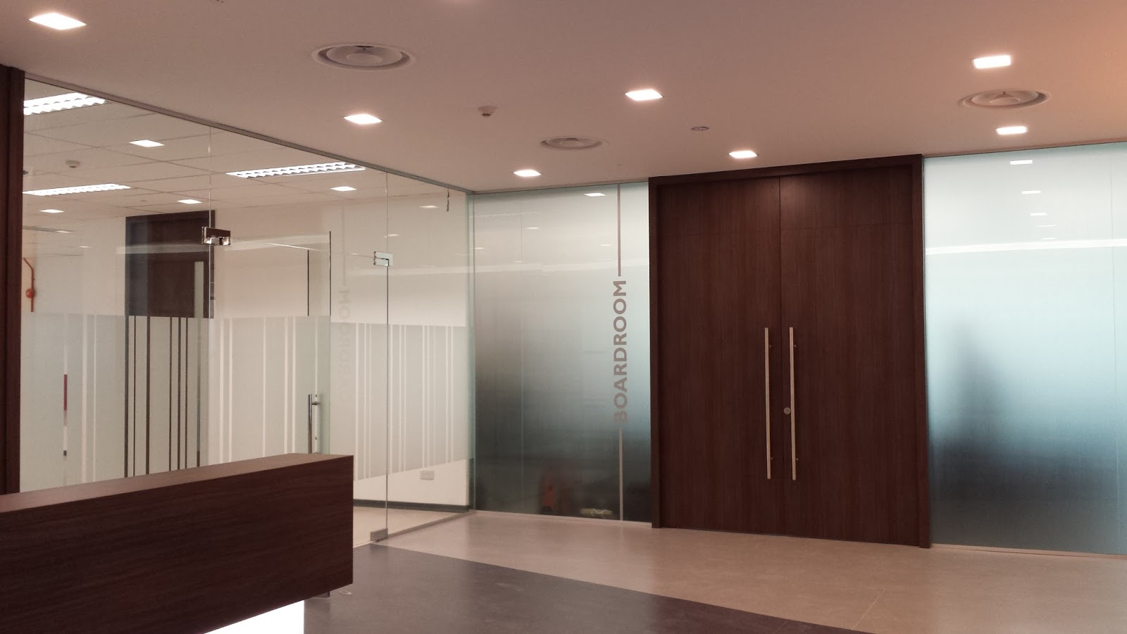 Office renovation contractor office interior designers for Office interior contractor