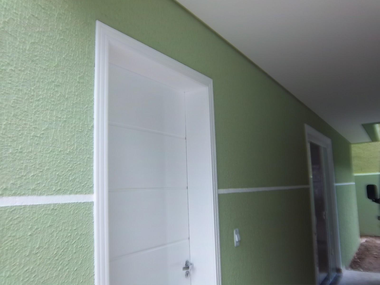 UMBARÁ DEPOIS DE PRONTO/PINTURA LISA DENTRO E REVESTIMENTO GRAFIATO  #5B7457 1600x1200 Banheiro Com Revestimento E Grafiato