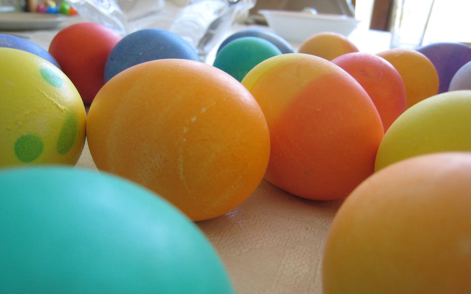 colorful easter eggs beautiful easter eggs wallpapers