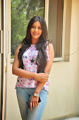 Pooja jhaveri new glam pics-thumbnail-14