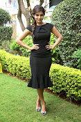 Samantha latest photos in black-thumbnail-2