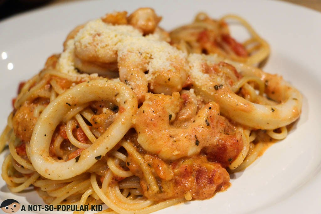 Seafood Pasta of 8 Cuts Burger Blends!