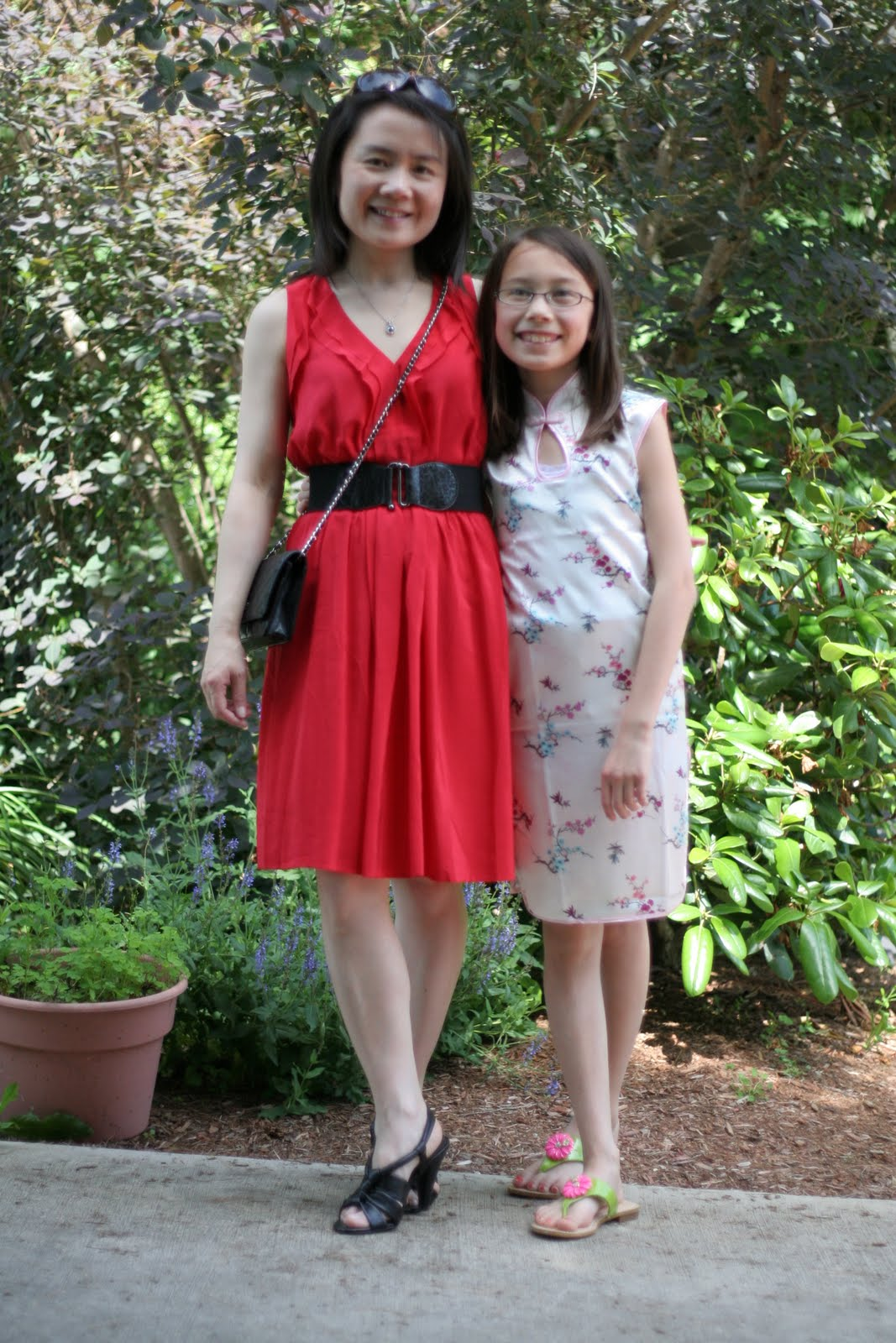 Vicky\'s Daily Fashion Blog: OOTD: Black and Red to Piano Recital