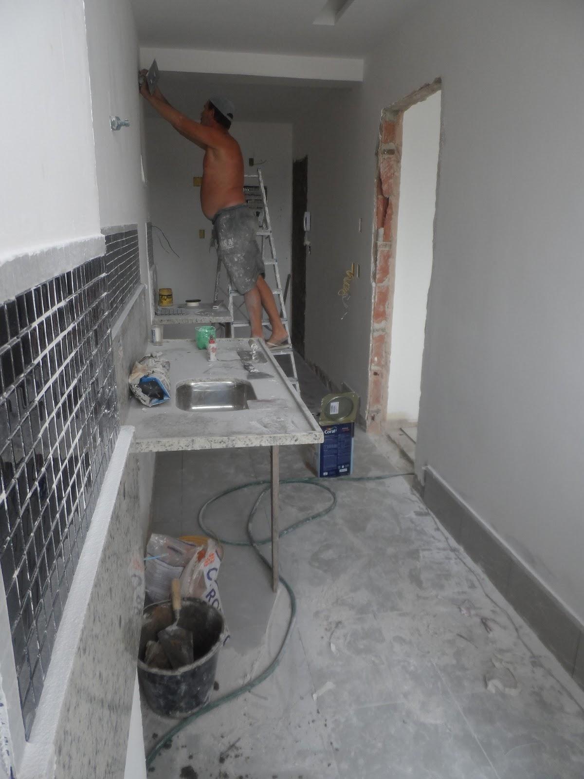 http://2.bp.blogspot.com/ ReginaSegura. arquitetura: APARTAMENTO  #61483C 1200x1600 Bancada Banheiro Estreita