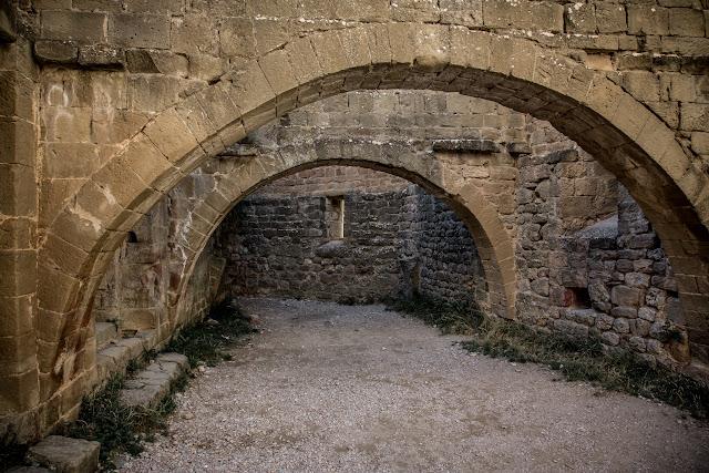 Castillo de Loarre  :: Canon EOS5D MkIII | ISO800 | Canon 24-105 @24mm | f/7.1 | 1/50s