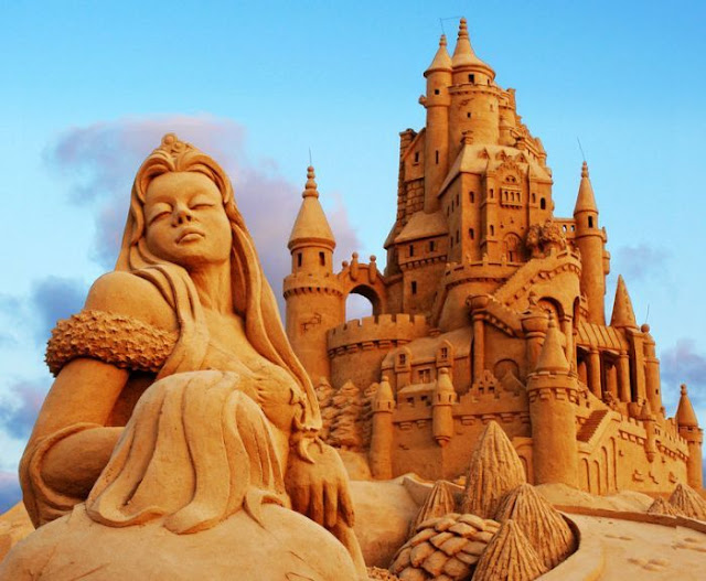 princess and castle sand sculptures