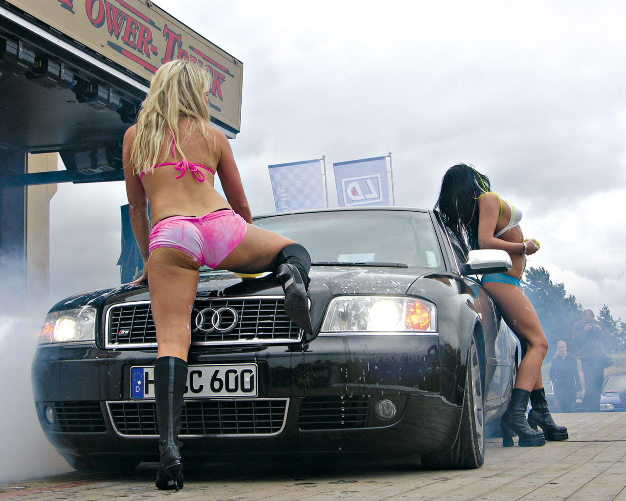 http://1.bp.blogspot.com/-5SK691mdpik/TiLpCgL612I/AAAAAAAAACc/MMR0y0BuoNA/s1600/Car_and_Girls_2681.jpg