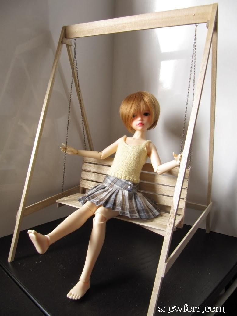 Clover tea a dolly blog miniature swing set in 1 4 msd for Mini swing set
