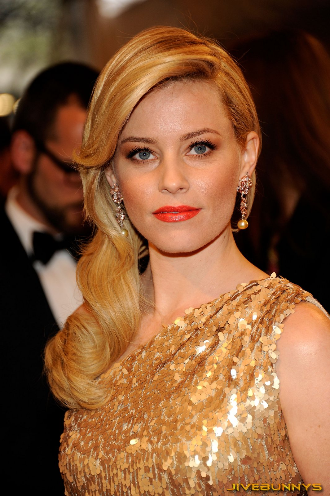Elizabeth Banks specia... Abbie Cornish