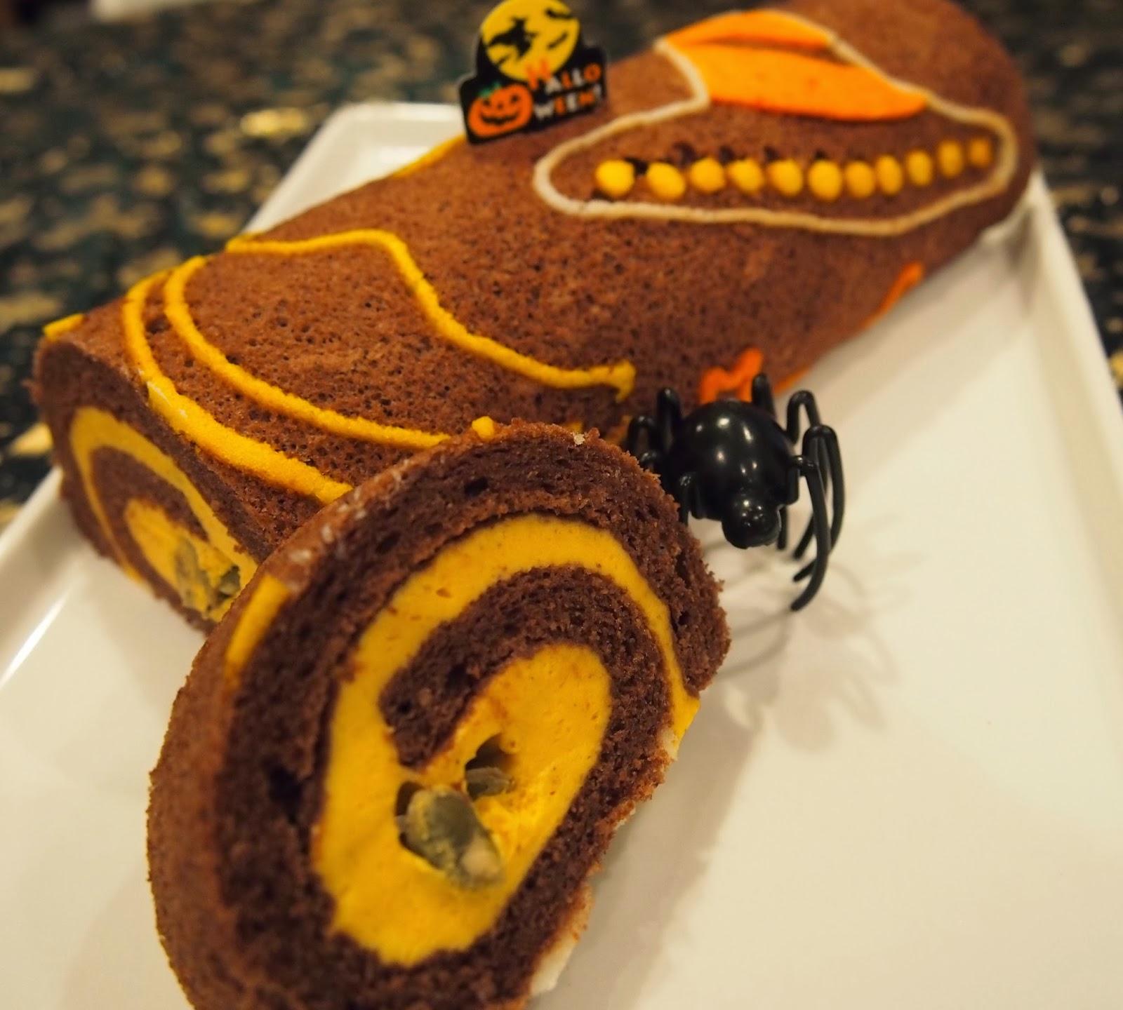 Halloween Decorated Cake Roll : Tokyo Desserts: Halloween Decorated Roll Cake