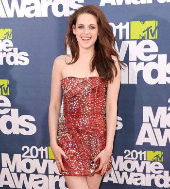 Movies  Kristen Stewart on Kristen Stewart Glitzed Up The Red Carpet At The 2011 Mtv Movie Awards