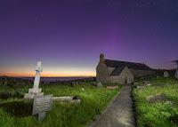 Llanbadrig, Anglesey, Wielka Brytania. Ekspozycja 10 sekund (!). Początek zmierzchu astronomicznego. Credit: Kris Williams