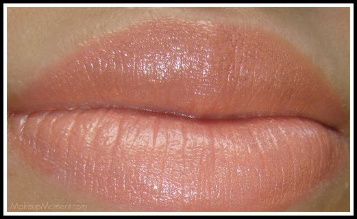 MAC Shy Girl Lipstick - Makeup Moment