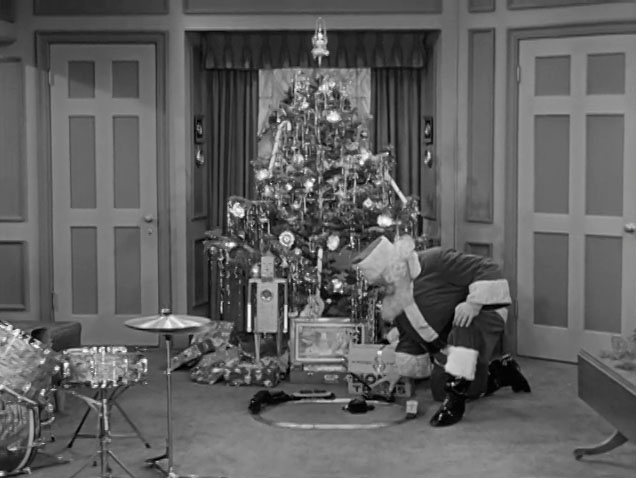 Please Note Wishing You A Very Lucy Christmas