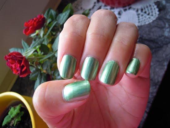 mint green homemade manicure