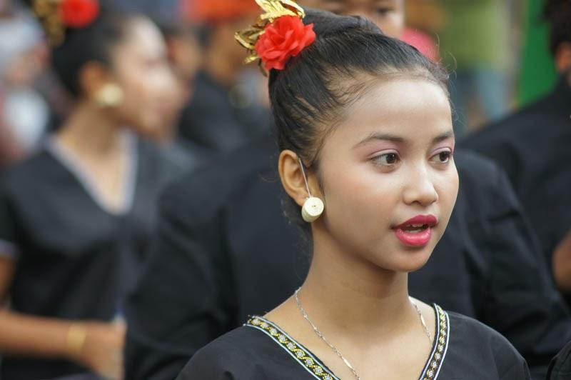 Pawai Pembukaan Pesta Kesenian Bali 2013 Disambut Guyuran Hujan