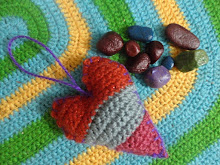 Stuffed Cheshire Heart Sachet Pattern! Free download.