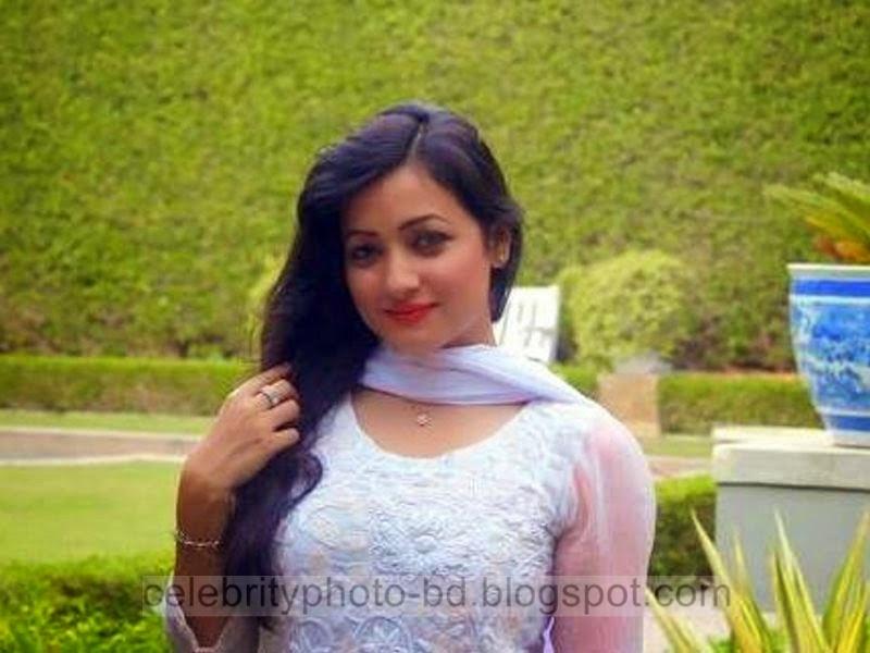 Most+Beautiful+Female+BD+Model+Sumaiya+Jafar+Suzena's+Latest+New+Hot+Photos+Gallery+In+Salowar002