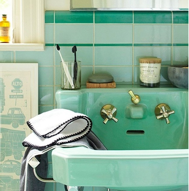 green vintage bathroom