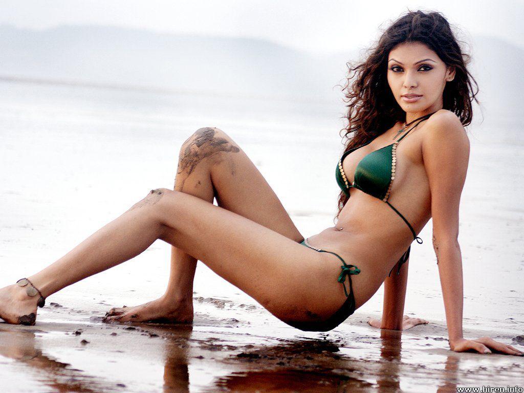 Loser mona chopra bikini