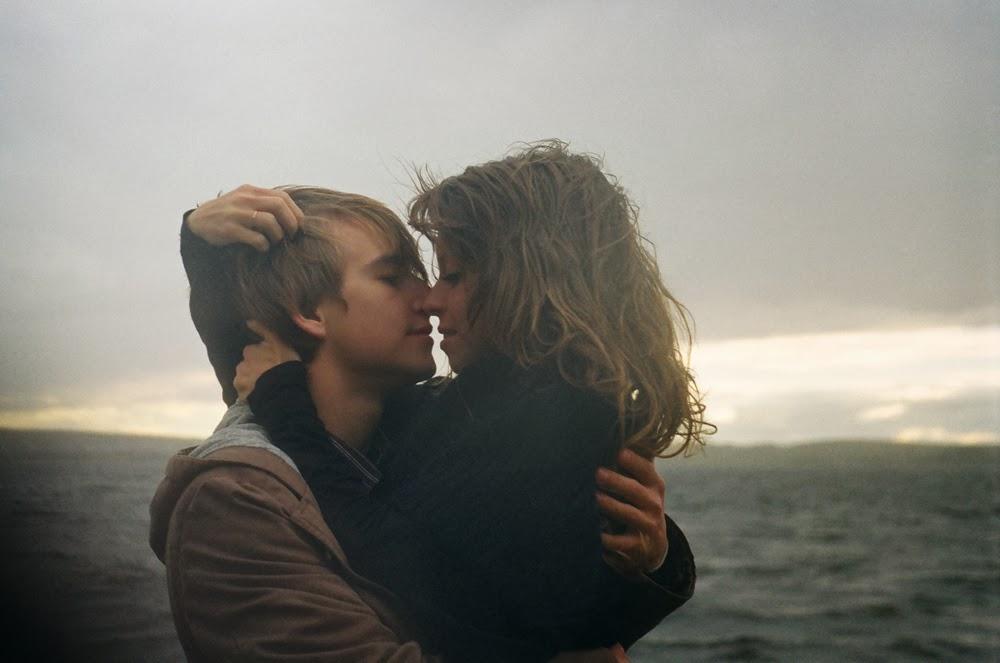 Красивые фотографии девушка и парень обнимаются