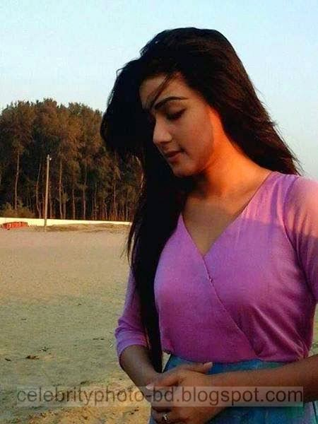 Mahiya+Mahi+and+Bappy+Chowdhury's+Some+Romantice+Hot+Photos+Latest+Collection+From+Bangla+Movie+Honeymoon+(2014)002