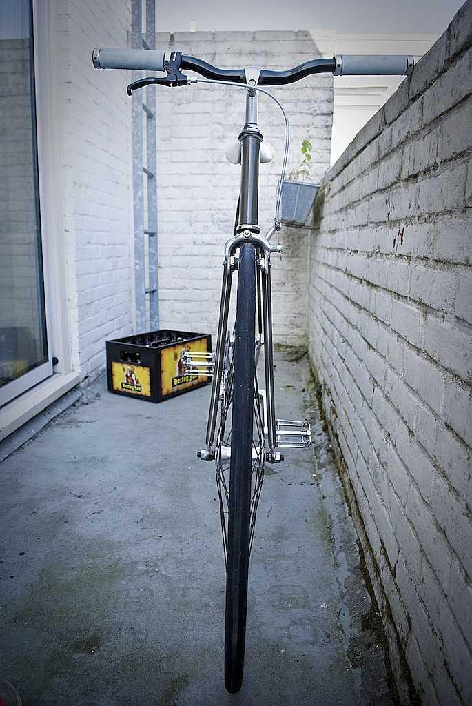 Gambar Sepeda Fixie Hitam Putih Menawan:Modifikasi Sepeda Fixie