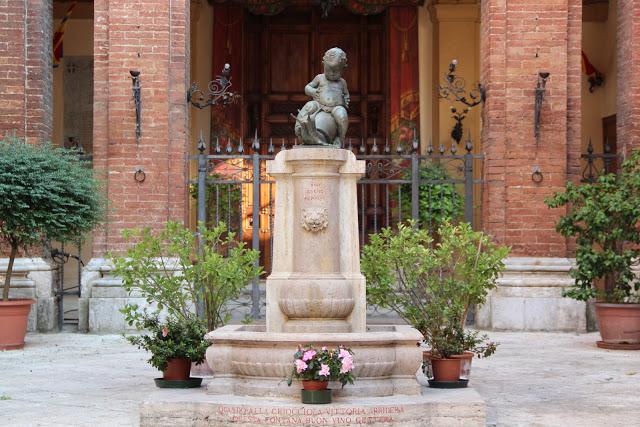 contrada della lumaca: fontana