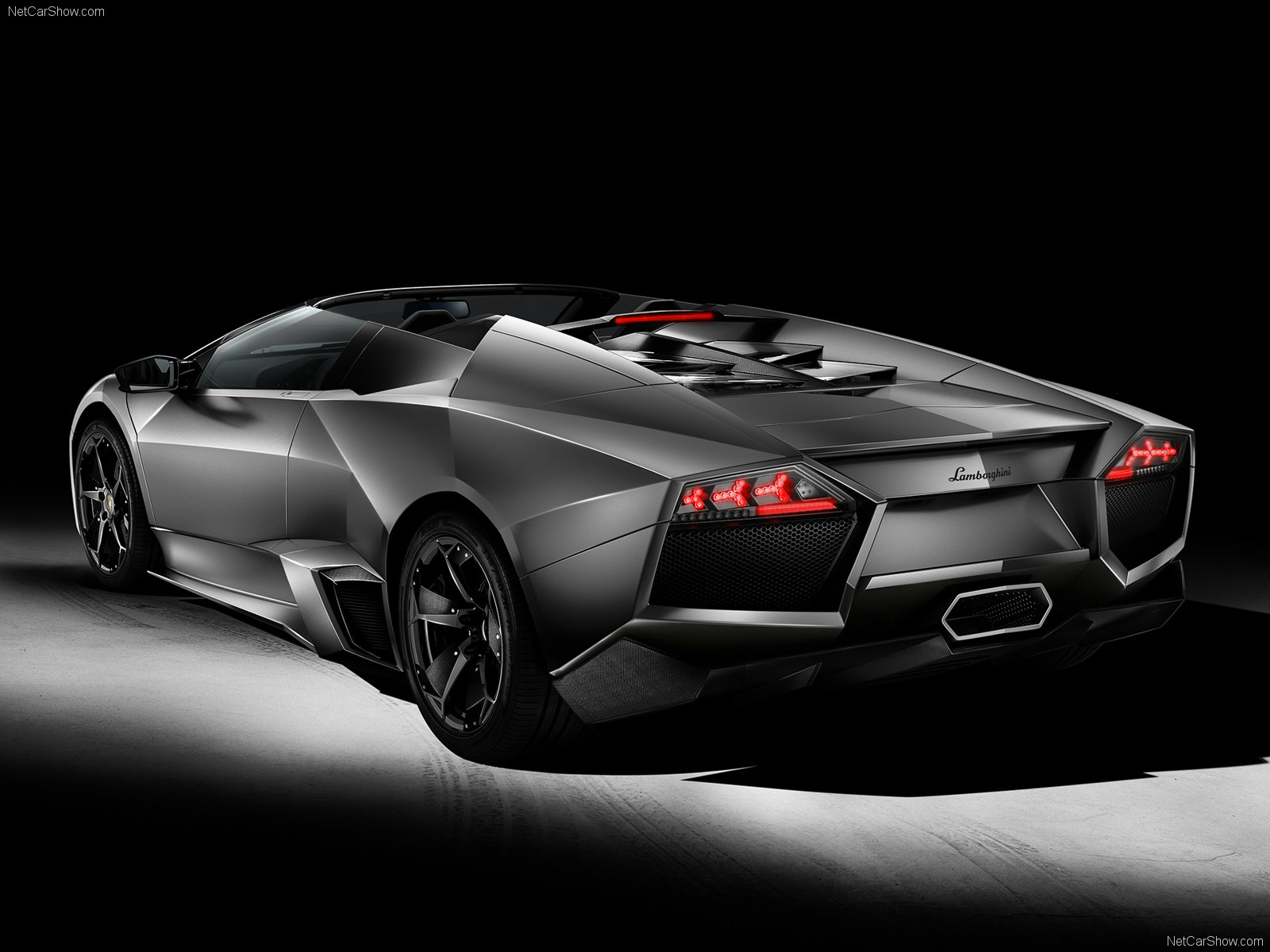 lamborghini wallpaper hd lamborghini reventon wallpaper. Black Bedroom Furniture Sets. Home Design Ideas